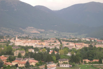 Norcia panorama (Wikipedia)